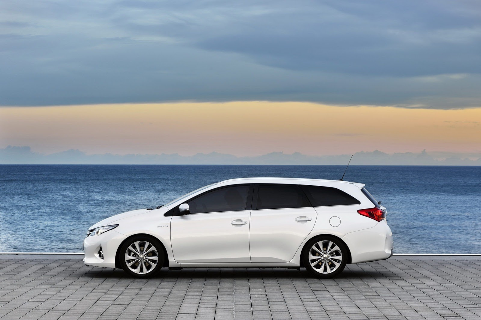 Thevampireacademy  New Toyota Auris Touring Sports Range Priced In The Uk